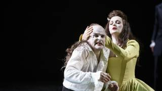Saul, Glyndebourne Festival 2015. Saul (Christopher Purves) and Merab (Lucy Crowe). Photographer Bill Cooper.
