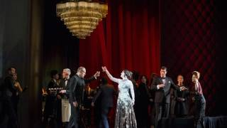 Venera Gimadieva as Violetta and cast in La traviata, Glyndebourne Festival 2014