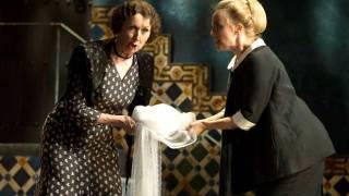 Marcellina (Ann Murray) and Susanna (Lydia Teuscher), Le nozze di Figaro 2012.
