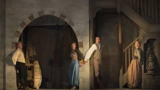 Die Entführung aus dem Serail, Glyndebourne Festival 2015. L – r Pedrillo (Brenden Gunnell),  Konstanze (Sally Matthews), Belmonte (Edgaras Montvidas) and Blonde (Mari Eriksmoen).