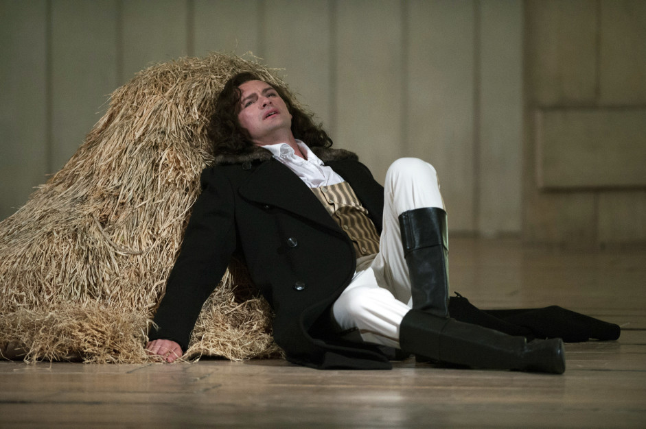 Edgaras Montvidas as Lensky in Eugene Onegin at Glyndebourne Festival 2014.