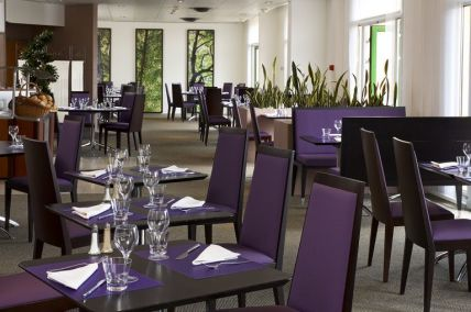 Restaurant at Novotel Quentin golf National