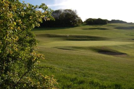 Undulating fairways & bunkers to test the brave-hearted that extra bit