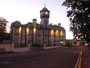 pegwell-bay-hotel-exterior-lights