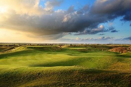 Enjoy the Royal Cinque golf course during your stay at Fayrness Hotel