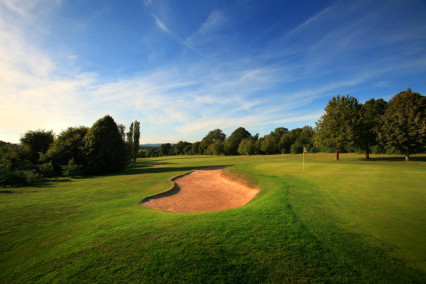Superb shot of the 6th hole at Marriott Lingfield Park