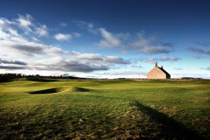Bunker strewn 1st hole at the St Andrews Eden Course, Fife, Scotland