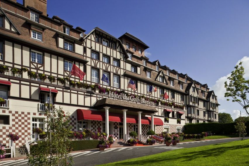 Book a golf holiday to hotel du golf barriere normandy for Hotels deauville