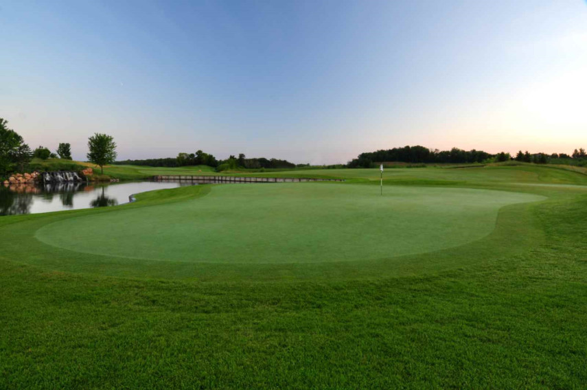 Mystic lake casino golf course winstar casino dfw