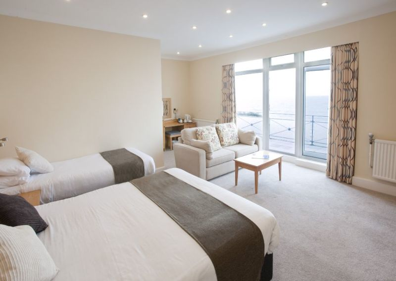 seaview chat rooms Live chat  contact us  faq's  let your property back  seaview villa,  boasting spectacular sea views from the secluded garden and several rooms,.