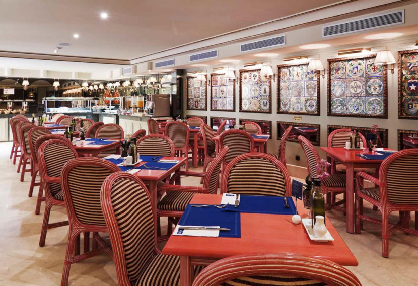 Book a golf holiday to h10 corregidor boutique hotel sevilla for Boutique hotel sevilla