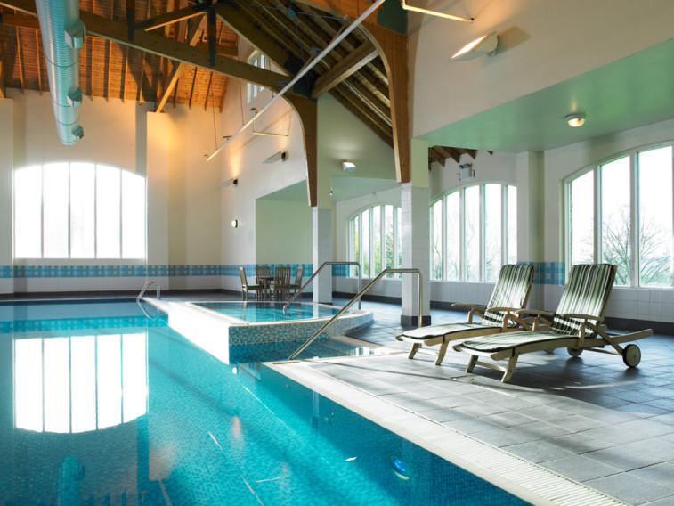 Book a golf break to marriott hollins hall west yorkshire - Swimming pools in south yorkshire ...