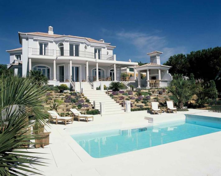 Vale Do Lobo Portugal  city pictures gallery : Brilliant villa at Vale do Lobo in Algarve, Portugal