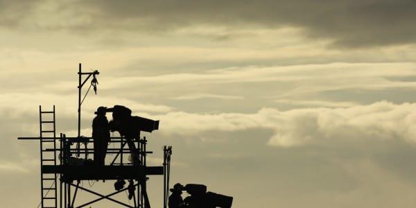 An jedem Loch eine Kamera - die großen Golf-Turniere im Fernsehen. (Foto: Getty)