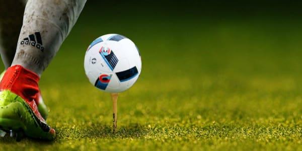 Am 10. Juni startet die Europameisterschaft. Jetzt den Spielplan zur UEFA EURO 2016 mit allen Informationen herunterladen.