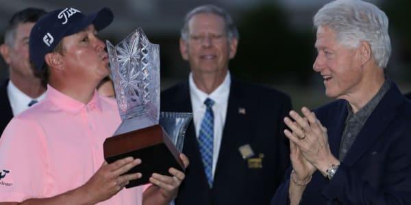 Ex-Präsident Bill Clinton ist mit der Clinton Foundation jährlich Gastgeber eines PGA-Tour-Turniers.