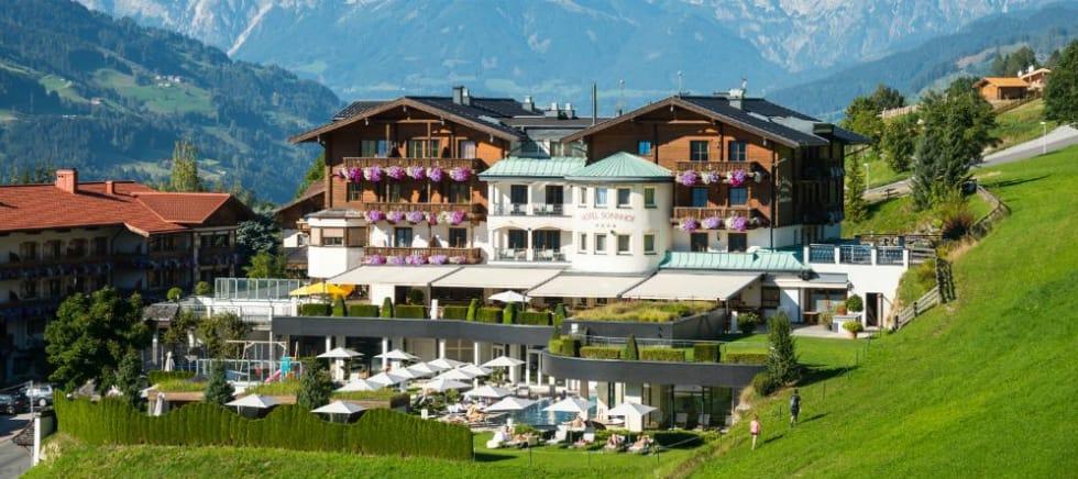 Gehen Sie vom Hotel Sonnhof Alpendorf aus im Salzburger Land auf Golf Safari. (Foto: Sonnhof Alpendorf)