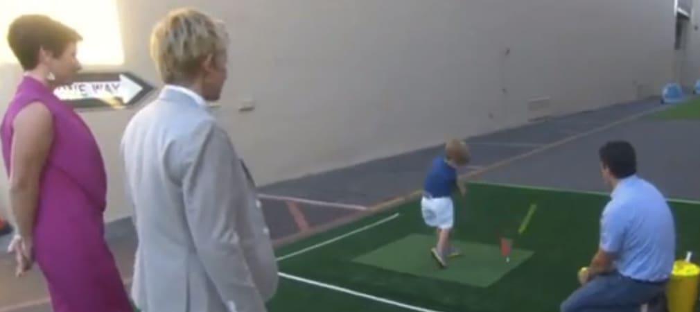 Der dreijährige Tommy Morrissey mit tollem Golfschwung (Foto: Youtube)