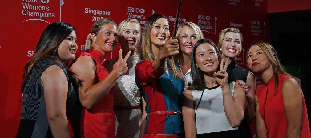 Bei der Gala der HSBC Women's Championship posieren die LPGA-Spielerinnen vor der Kamera. (Foto: Getty)