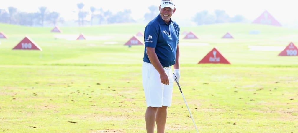 Darren Clarke hat sichtlich Spaß in seinen Shorts. (Foto: Getty)