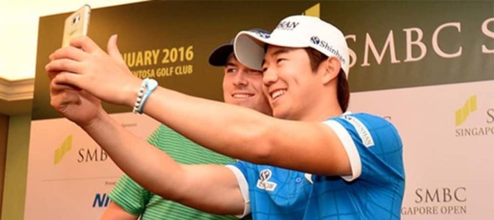 Younghan Song (r.) siegt bei der Singapore Open und lässt den Weltranglistenersten Jordan Spieth hinter sich.
