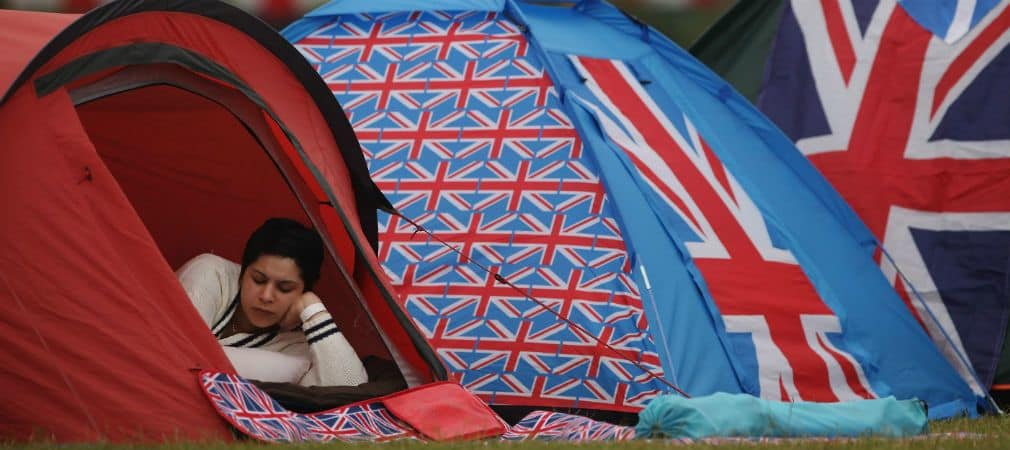 Ein Schlafplatz mit Blick auf den Sternenhimmel bei der British Open. (Foto: Getty)