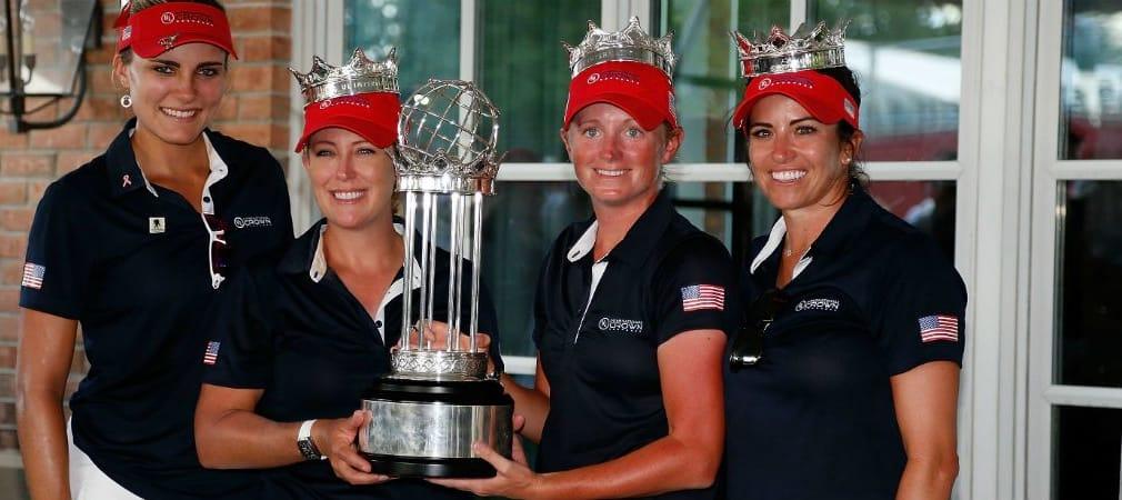 Lexi Thompson, Cristie Kerr, Stacy Lewis und Gerina Piller setzen sich die Krone auf und gewinnen die UL International Crown. (Foto: Getty)