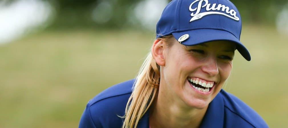 Moderatorin Annica Hansen reitet nicht nur, sondern spielt auch mit viel Freude Golf.
