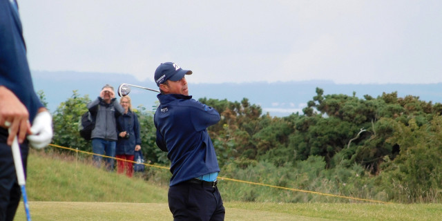 Hughes keeps his poise and the lead at Sea Island