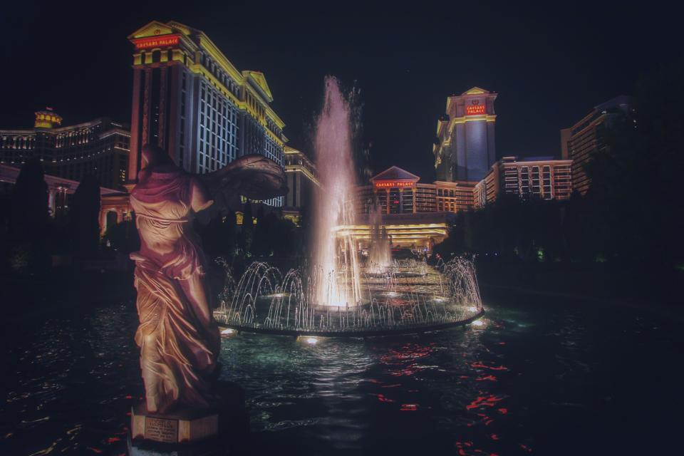 Priceline_Las-Vegas-Hotel_3-Nights-on-the-Vegas-Strip-w/Air
