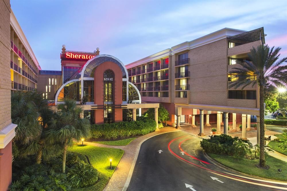 Hotels.com_Family-&-Theme-Park-Hotel_Family-Friendly-Hotel-Deals-for-$99-or-Less
