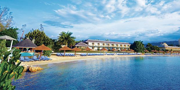CheapCaribbean_Caribbean-Vacations_Sunscape-Resort-Vacations-at-$350-OFF
