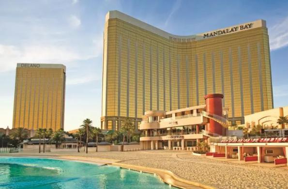bookit.com_Las-Vegas-Hotel_4-Star-Mandalay-Bay-Resort-at-45%-OFF