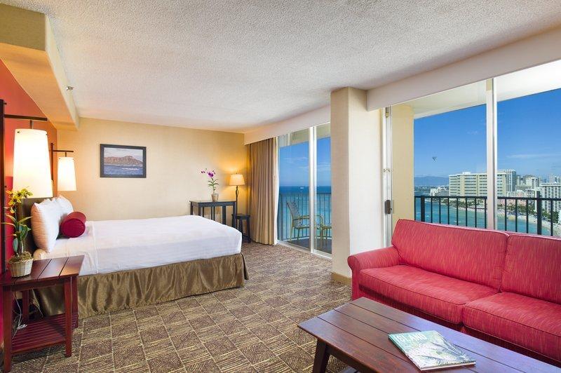 bookit.com_Hawaii-Hotel_4-Star-Aston-Waikiki-Beach-Hotel-at-40%-OFF