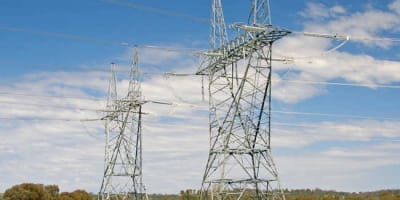 Electricity_pylons2.jpg