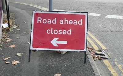 Woking Bradfield Close York Road road ahead closed sign September 2009 2