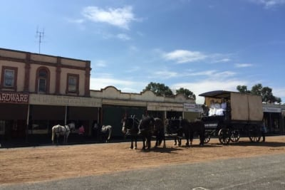 Picnic at hanging rock clunes 8