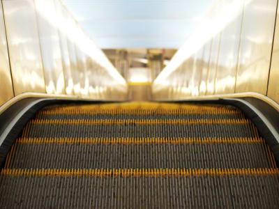 escalator 897670 960 720