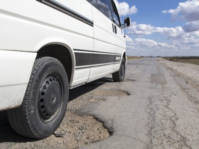 pothole-1703340_960_720.jpg