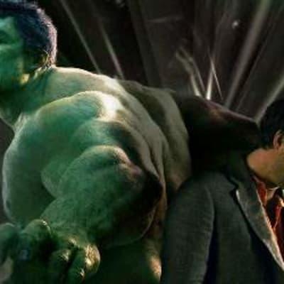 Hulk-vs-Bruce-Banner-Mark-Ruffalo-by-Rob-Keyes.jpg