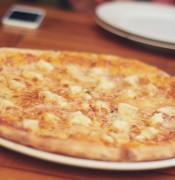 pizza restaurant dinner lunch