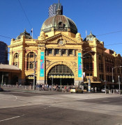 1280px-Flinders_Street_Station_in_Melbourne_CBD.jpg