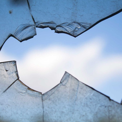broken window 960188 960 720