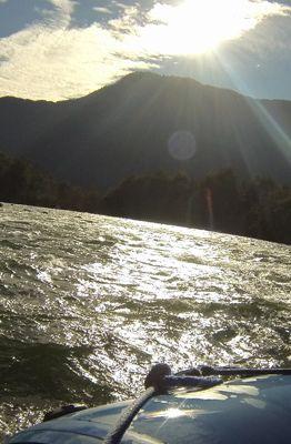 Rafting no rio trancura, Pucón/Chile (Marcos Borges/A 4 Pés)