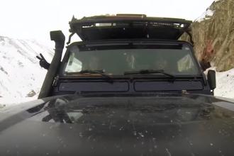 Printscreen de vídeo feito pelo casal do projeto DayTrippers - Uma viagem ao redor do mundo de carro