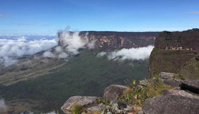 Monte Kukenán visto do Maverick, no Monte Roraima