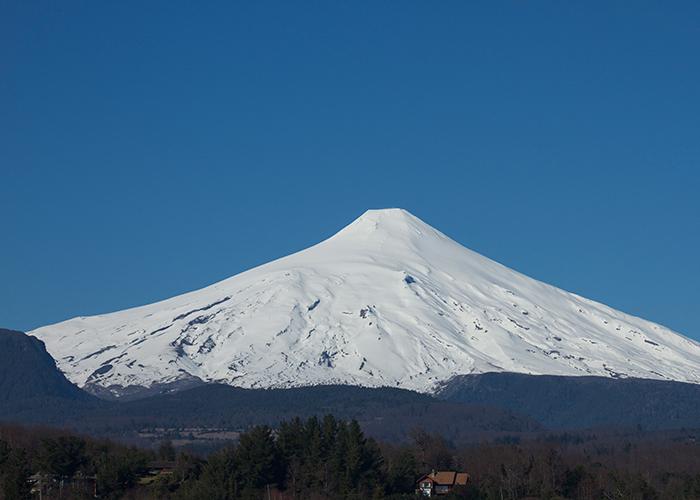 Vista do Vulcão Villarica - inverno. (Foto: Marcos Borges / A 4 Pés)