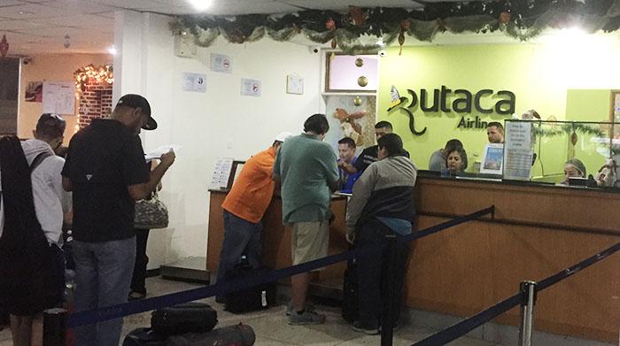 Guiche da Rutaca no aeroporto de Santo Domingo
