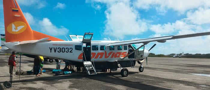 Aeronave Conviasa a serviço da Fly To Los Roques