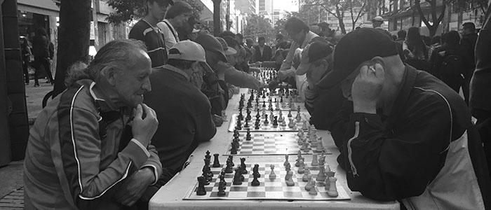 Mesas de Xadrez na Carrera 7 - Bogotá